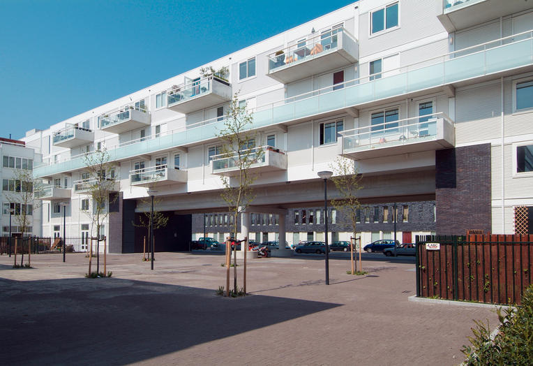Block 30 IJburg, Amsterdam  –  White internal facade