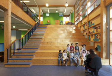 Community School The Frog, Amsterdam  –  grandstand