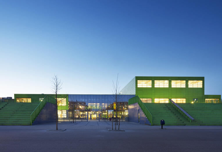Community School The Frog, Amsterdam  –  neighbourhood facility