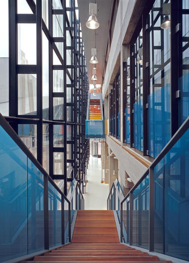 Media library, Delft  –  glass facade